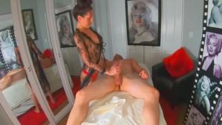 Sensual Massage - Marilyn Monroe Room AirBnB